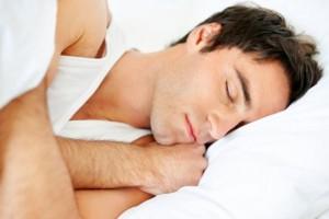 Мужчинам полезно спать голыми