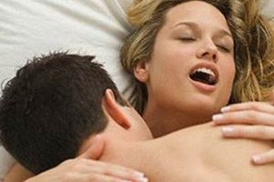 О чем говорит любимая поза мужчины в сексе