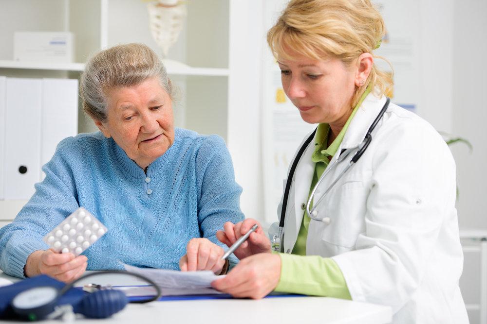 Почему пожилых надо лечить по-особому