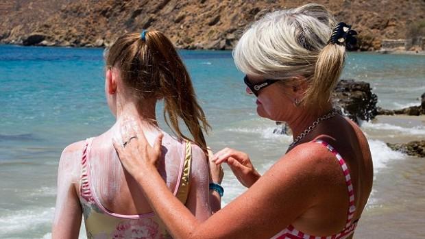 Солнцезащитный крем обеспечивает кожу лишь половиной ожидаемой защиты