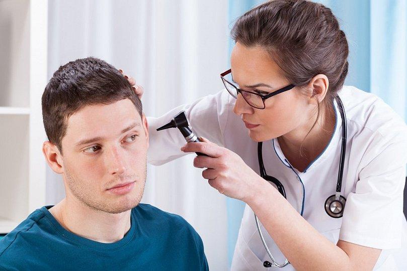 Аэроотит: почему возникает воспаление?