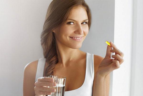 Какие витамины лучше принимать женщинам?