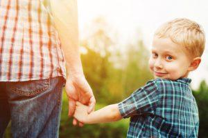 Увлеченность мужчин своим отцовством уменьшает вероятность развития тревожности у детей