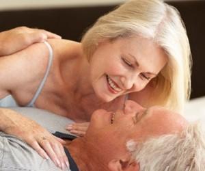 Здоровый секс: как повысить либидо во время климакса