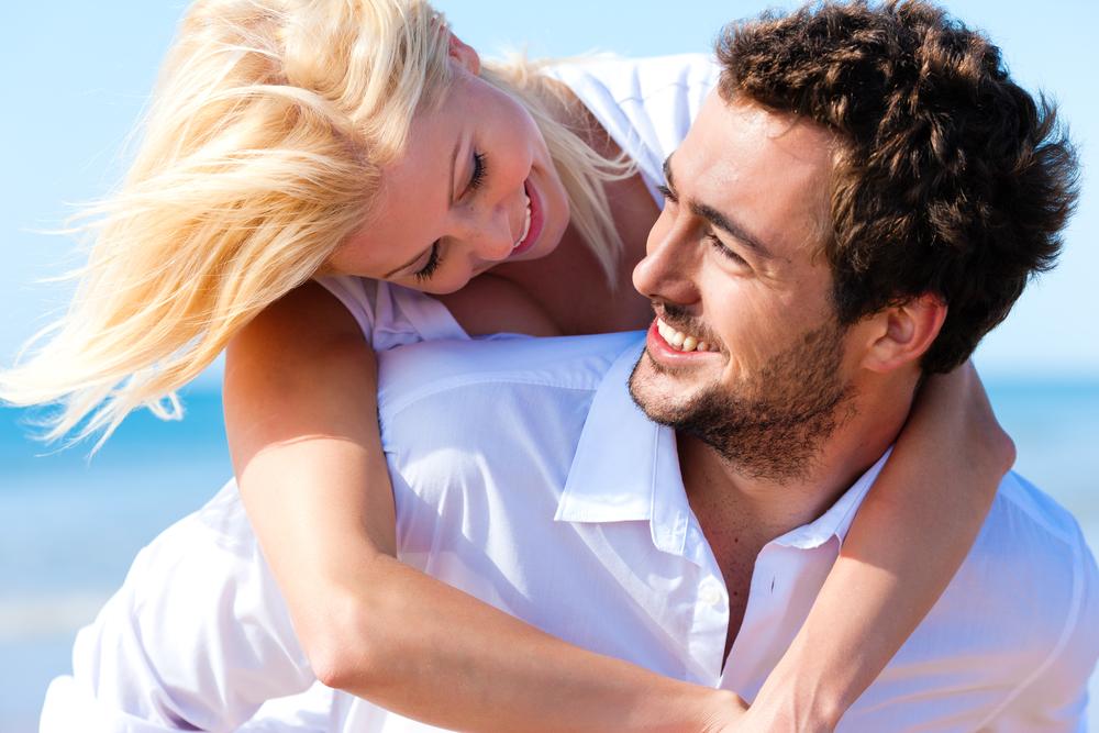 Доказано: крепкая дружба между партнерами повышает качество отношений