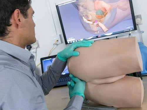 Технику проведения ректального исследования при раке простаты отработают на роботе