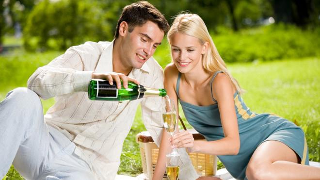 Свидание раз в месяц помогает сохранить брак