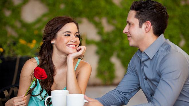 Специалисты рекомендуют людям приходить на свидания в масках