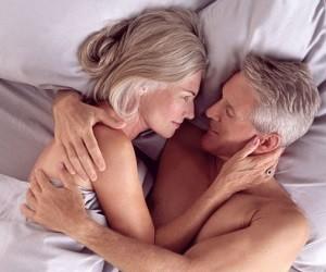 Возрастные партнеры получают больше удовольствия от секса
