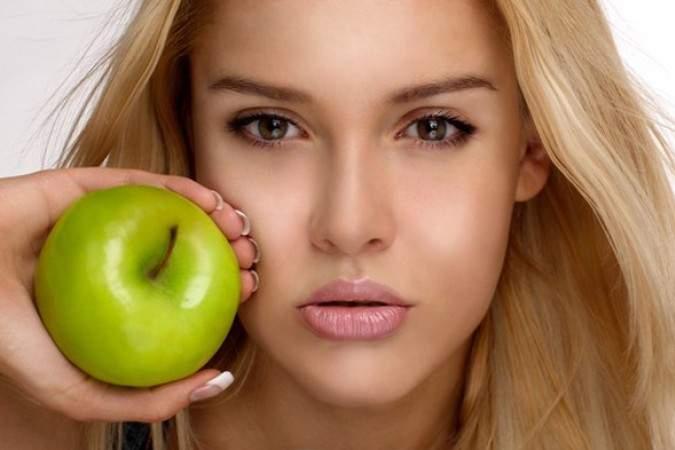 Яблочный пилинг – очищение для любого типа кожи