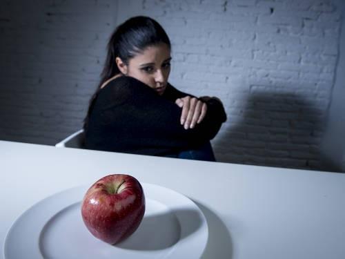 Помогает ли голодание похудеть?