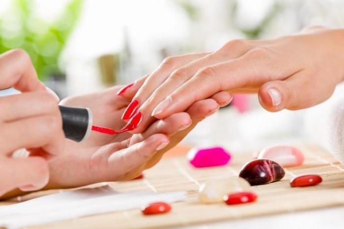 Лак для ногтей наносит вред здоровью