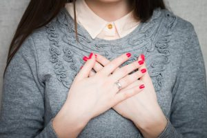 Боль в груди: какие болезни подозреваются?