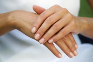 Как вернуть красоту рукам после работы в огороде