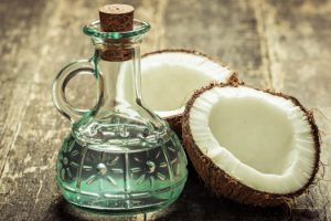 Популярный растительный жир: действительно ли кокосовое масло является более здоровой альтернативой?