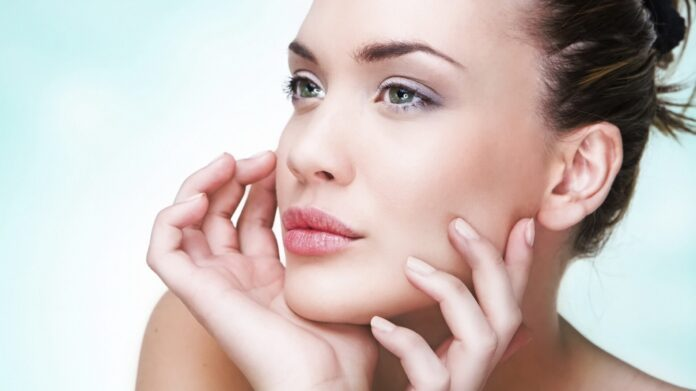 Дерматологи назвали лучшую пищу для здоровья кожи