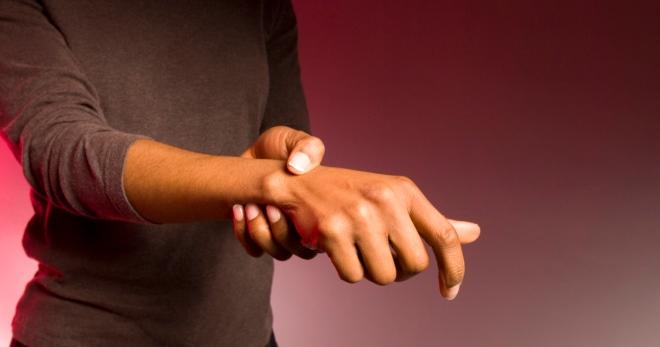 Учёные: сок брусники помогает снизить давление и улучшить работу сосудов