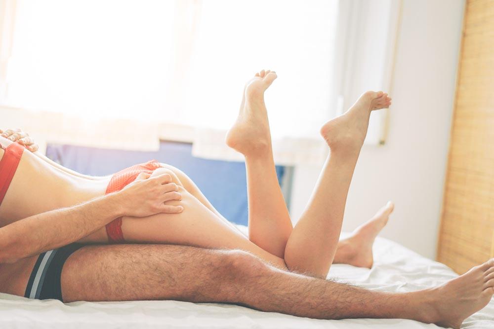 В какой позе лучше всего заниматься сексом в первый раз